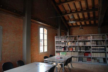 area biblioteca: sala studio e consultazione